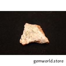 Пироморфит на кварце - 2х5х4 см