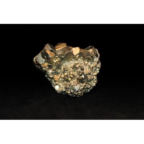 минерал Пирит друза 1.5х5х3.5 см