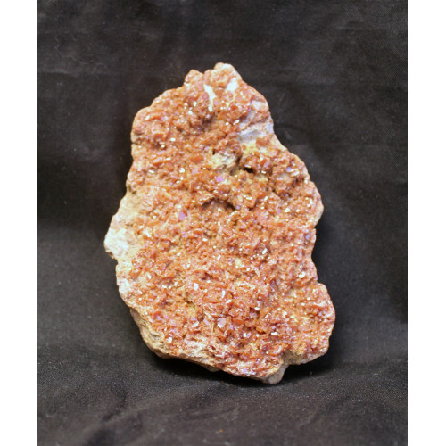 минерал Ванадинит 9х6х1.5 см