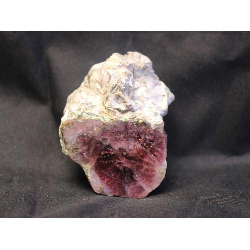 минерал Турмалин 5.5х4х2 см