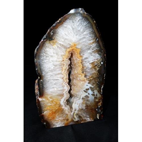 минерал Агат с кварцевой жеодой(срез) 2.2х9х15.5 см